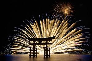 miyajima-feux-d'artifice-au-Japon